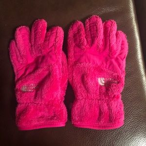 North Face girls fuzzy gloves